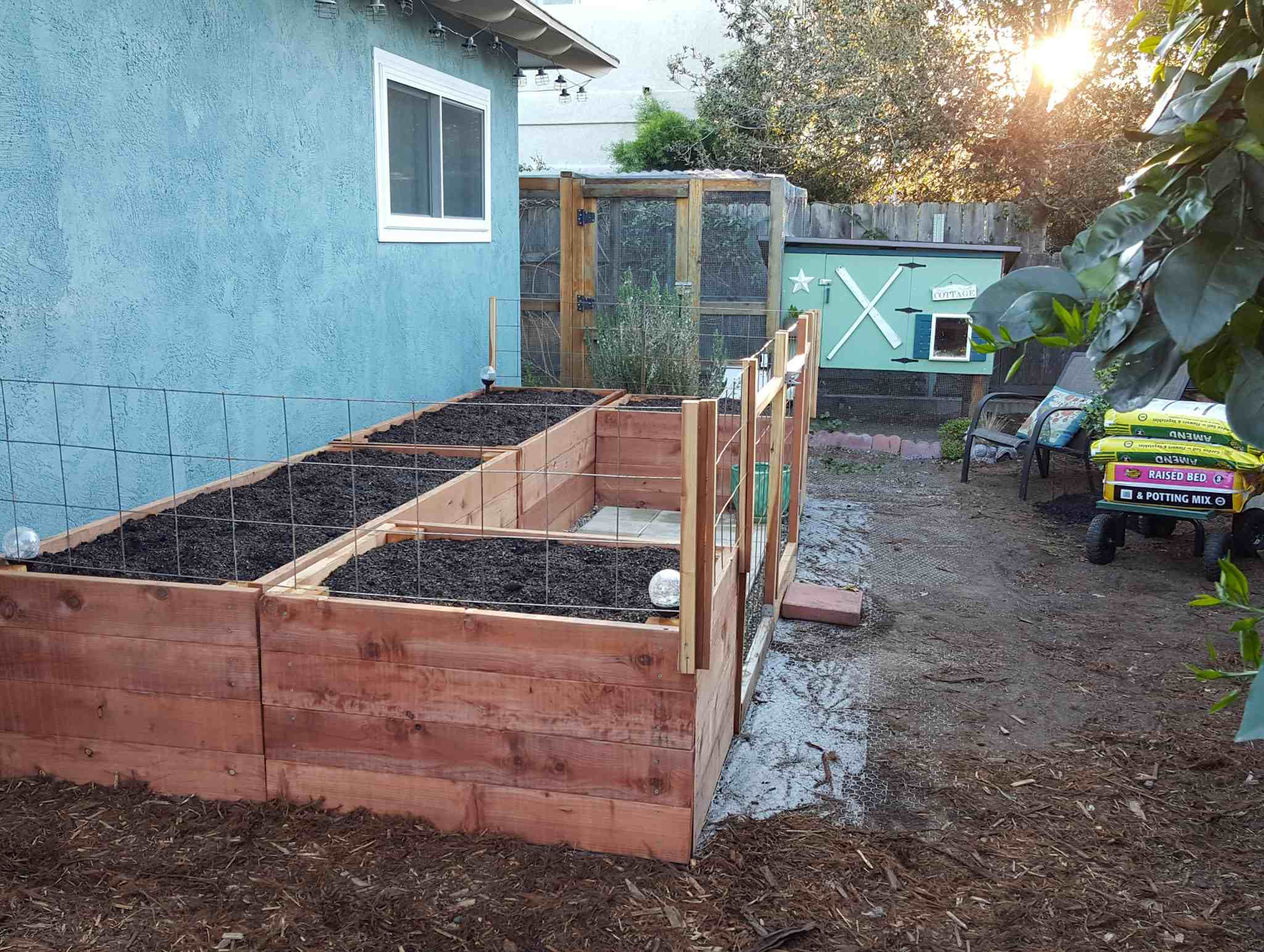 How To Fill A Raised Garden Bed Build The Perfect Organic Soil